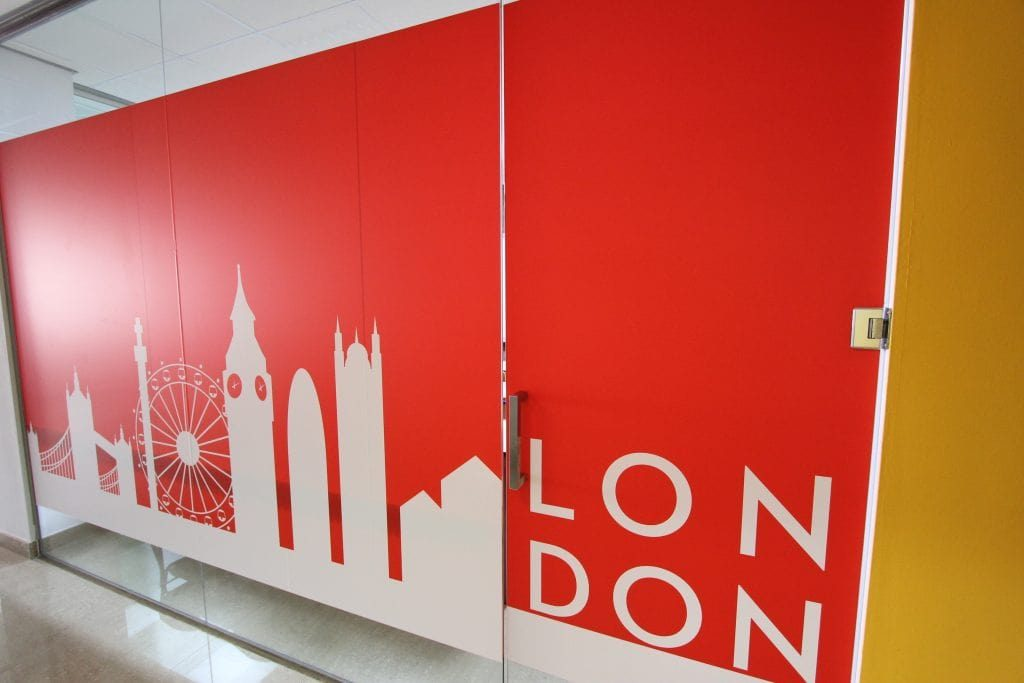 London class academia Hello English School