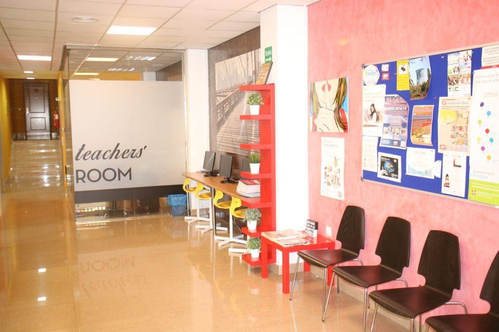 Recepción academia Hello English School
